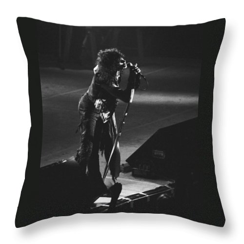 Aerosmith Throw Pillow featuring the photograph Aerosmith In Spokane 5 by Ben Upham