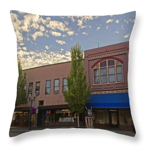 6th Street Throw Pillow featuring the photograph Along 6th Street In Grants Pass by Mick Anderson