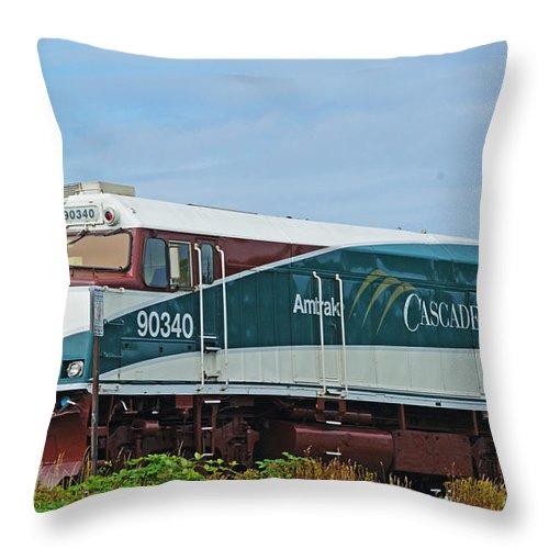Trains Throw Pillow featuring the photograph Amtraks Cascade Engine by Randy Harris