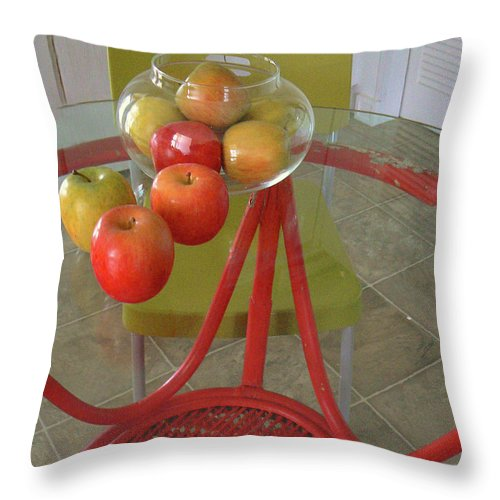 Apples Throw Pillow featuring the photograph Apples In The Kitchen by Pamela Patch