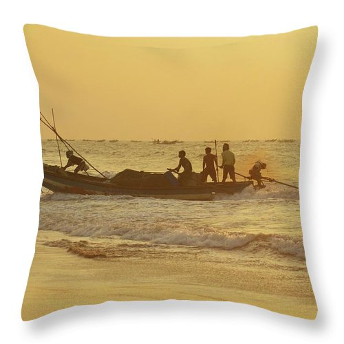 India Throw Pillow featuring the photograph At Dawn In Puri by Valerie Rosen