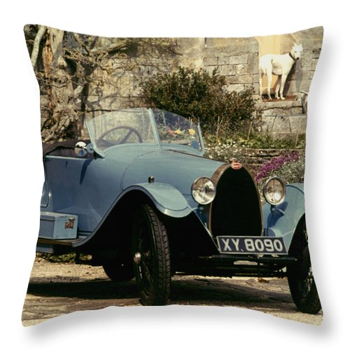 1925 Throw Pillow featuring the photograph Auto: Bugatti Type, 1925 by Granger
