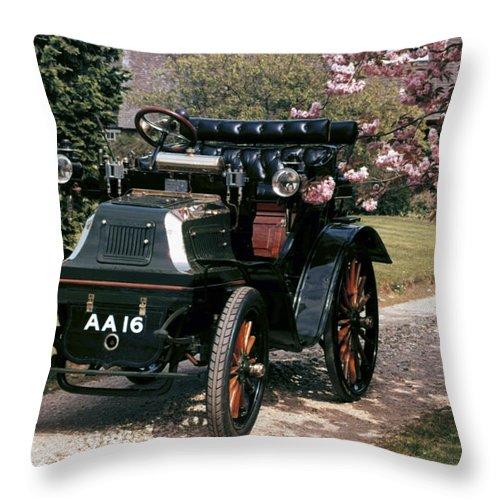 1899 Throw Pillow featuring the photograph Auto: Daimler, 1899 by Granger