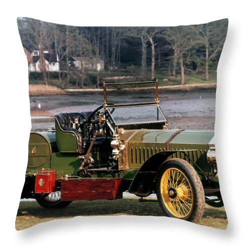 1907 Throw Pillow featuring the photograph Auto: Napier, 1907 by Granger