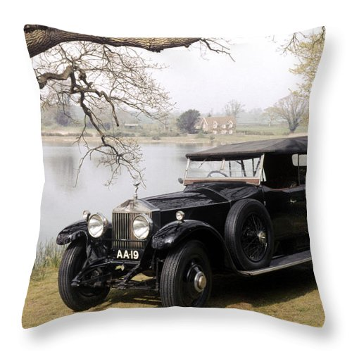 1925 Throw Pillow featuring the photograph Auto: Rolls-royce, 1925 by Granger