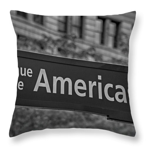 6th Avenue Throw Pillow featuring the photograph Avenue Of The Americas by Susan Candelario