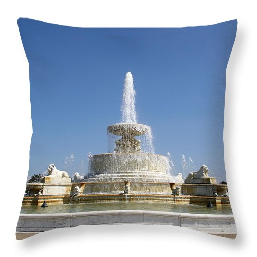 Fountain Throw Pillow featuring the photograph Belle Isle Fountain by Claire McGee