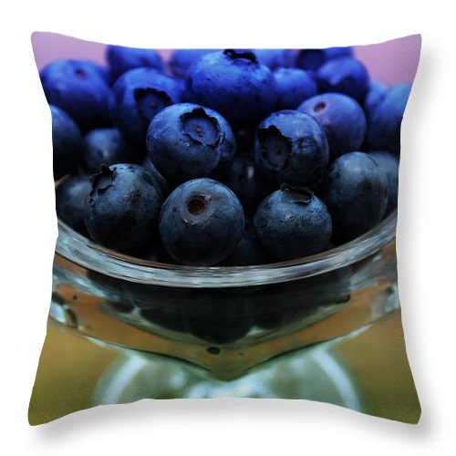Big Hurts Throw Pillow featuring the photograph Big Bowl Of Blueberries by Barbara Griffin