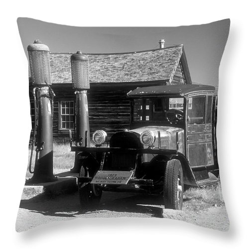 Bronstein Throw Pillow featuring the photograph Bodi Gas Station by Sandra Bronstein