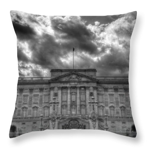 Buckingham Palace Throw Pillow featuring the photograph Buckingham Palace Bw by David French