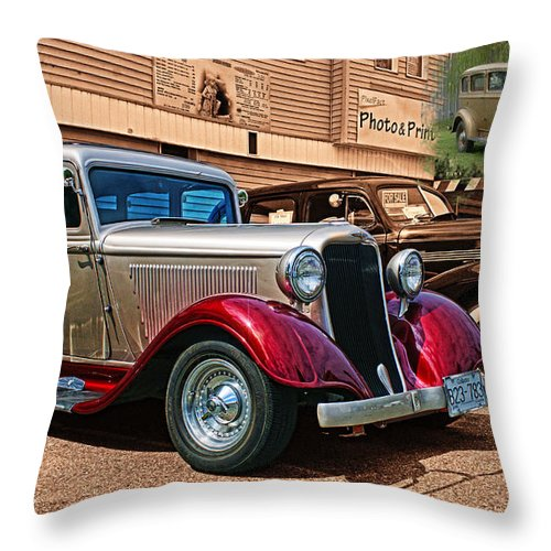 Cars Throw Pillow featuring the photograph Cadp1049a-12 by Randy Harris