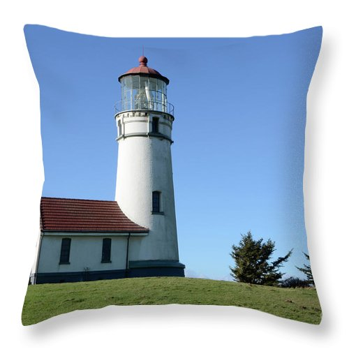 Pacific Ocean Throw Pillow featuring the photograph Cape Blanco Lighthouse 1 by Bob Christopher