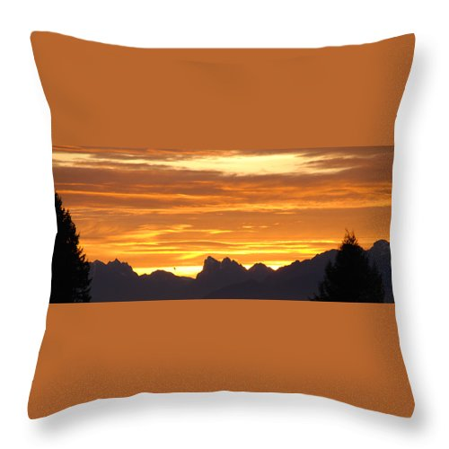 Mountains Throw Pillow featuring the photograph Cascade Mountains Sunrise 1 by Carol Eliassen