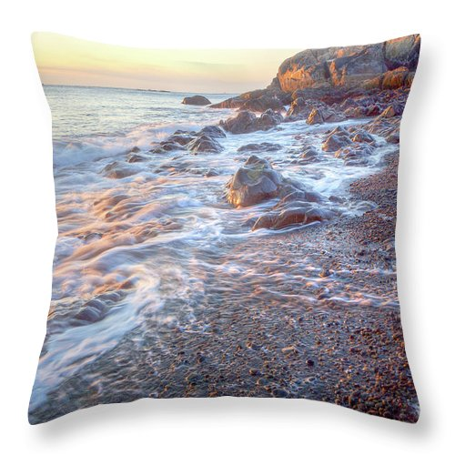 America Throw Pillow featuring the photograph Castle Rock by Susan Cole Kelly