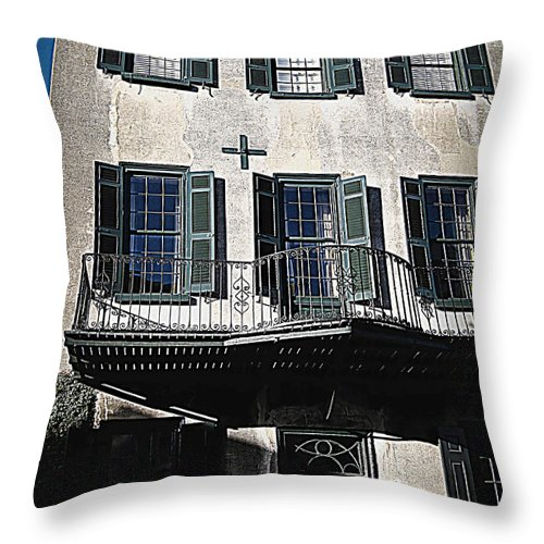 Houses Throw Pillow featuring the photograph Charleston Houses by Susanne Van Hulst