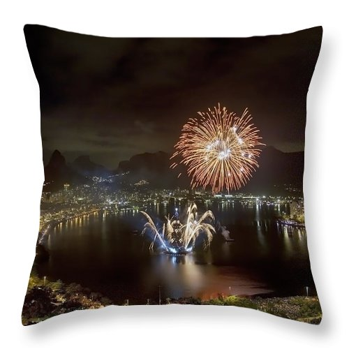 Landscape Throw Pillow featuring the photograph Christmas In Rio 2 by Sergio Bondioni