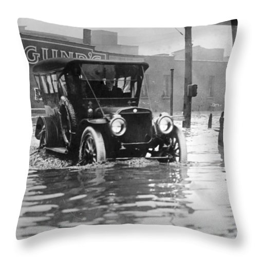 1913 Throw Pillow featuring the photograph Cleveland: Flood, C1913 by Granger
