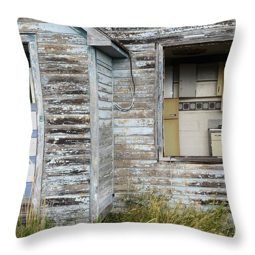 Kitchen Throw Pillow featuring the photograph Comes With An Open Kitchen by Bob Christopher