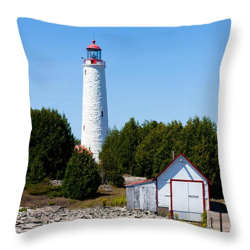 Lighthouse Throw Pillow featuring the photograph Cove Island Lighthouse by Barbara McMahon
