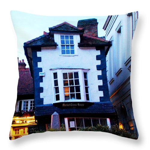 Windsor Throw Pillow featuring the photograph Crooked House Of Windsor by Pravine Chester