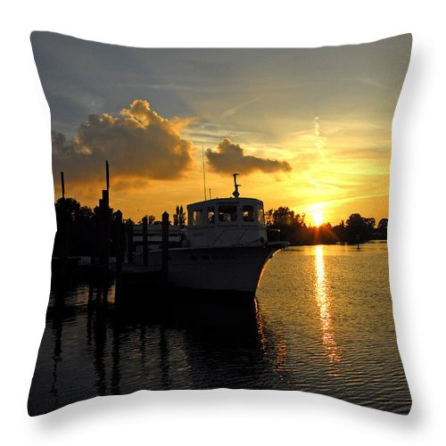 Landscape Throw Pillow featuring the photograph Dock Of The Bay In Florida by G Adam Orosco