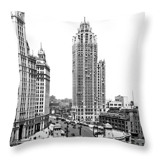 1920's Throw Pillow featuring the photograph Downtown Chicago by Underwood Archives