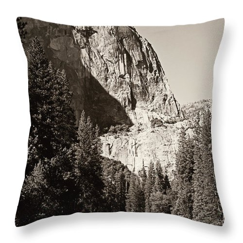 Yosemite Throw Pillow featuring the photograph El Capitan Meets The River by Pam Holdsworth