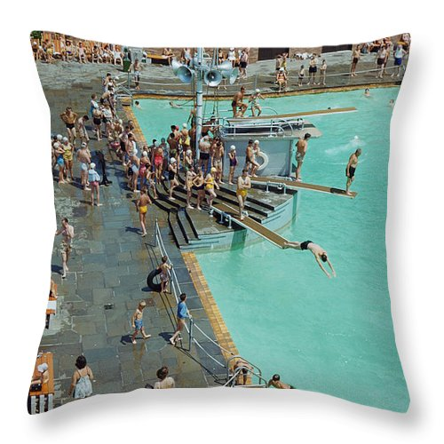 Day Throw Pillow featuring the photograph Enjoying The Pool At Jones Beach State by B. Anthony Stewart