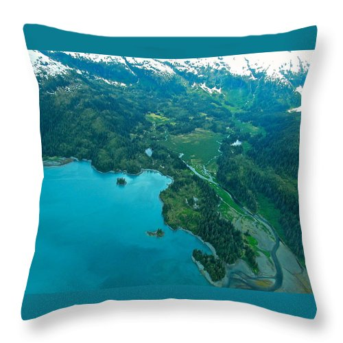 Alaska Throw Pillow featuring the photograph Enticing Perscpective by Michael Anthony