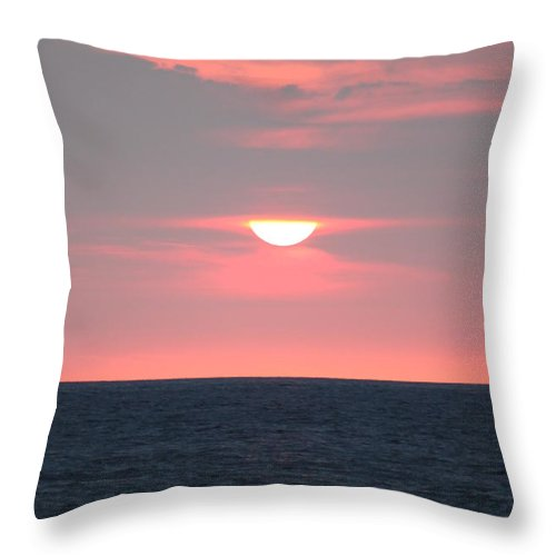 Ocean Throw Pillow featuring the photograph Evening Glow by Caroline Lomeli