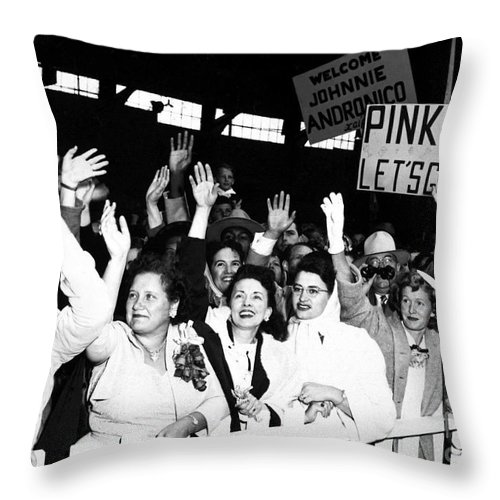 Horizontal Throw Pillow featuring the photograph Families Waving And Greeting The Return by Stocktrek Images