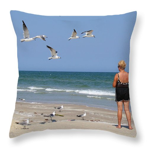 Roena King Throw Pillow featuring the photograph Feeding The Sea Gulls by Roena King