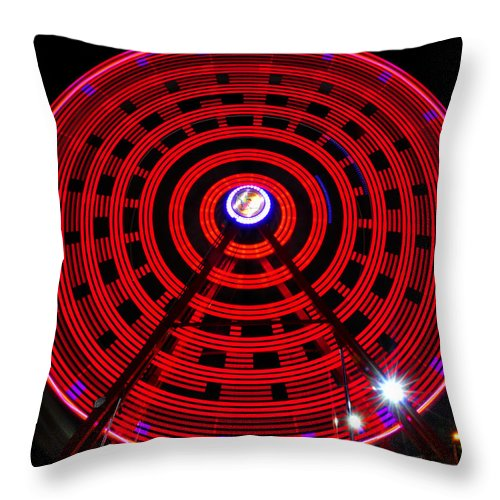 Ferris Wheel Throw Pillow featuring the photograph Ferris Wheel Red by David Lee Thompson