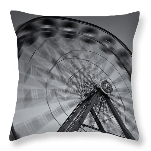 Clarence Holmes Throw Pillow featuring the photograph Ferris Wheel V by Clarence Holmes