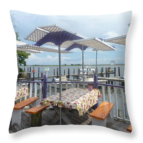 Gulf Throw Pillow featuring the photograph Fine Dining On The Gulf Coast by Carla Parris