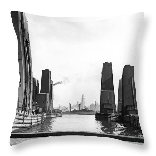 1920's Throw Pillow featuring the photograph Floating Grain Elevators In Ny by Underwood Archives