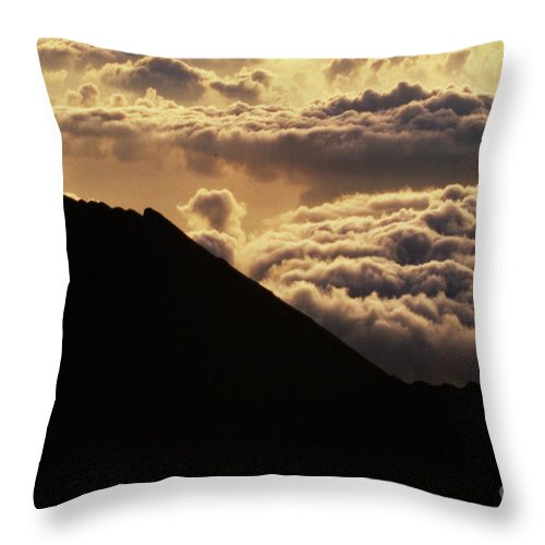 Hawaii Throw Pillow featuring the photograph Haleakala First Light by Bob Christopher