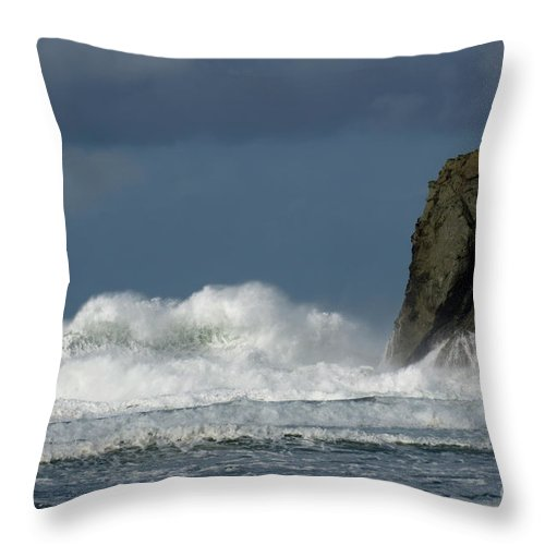 Rocks Throw Pillow featuring the photograph High Surf 2 by Bob Christopher