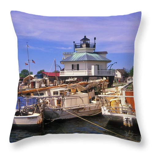 Lighthouse Throw Pillow featuring the photograph Hooper Strait Lighthouse - Fs000115 by Daniel Dempster