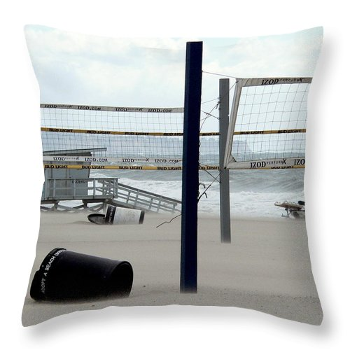 Hurricane Winds Throw Pillow featuring the photograph Hurricane Beach Force by Jeff Lowe