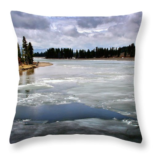 River Throw Pillow featuring the photograph Ice On The Yellowstone River by Ellen Heaverlo