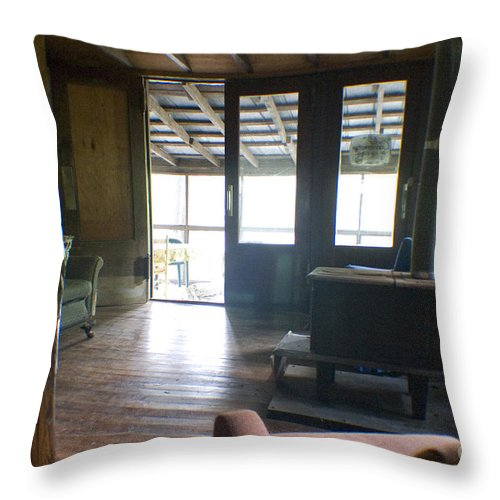 Cabin Throw Pillow featuring the photograph Inside Heaven by Cris Hayes
