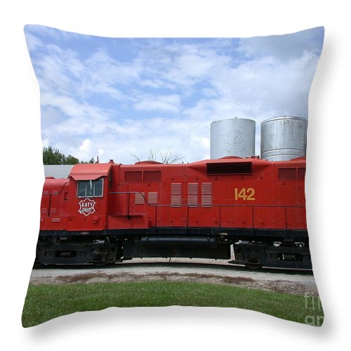 Missouri-kansas-texas Throw Pillow featuring the photograph Katy Rs-3m by Tim Mulina