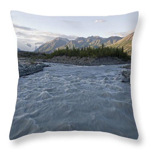 Wrangell Saint Elias National Park Throw Pillow featuring the photograph Kennicott River And The Wrangell by Rich Reid