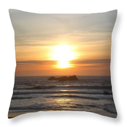 Sunset Throw Pillow featuring the photograph Kite Flying At Sundown by Will Borden