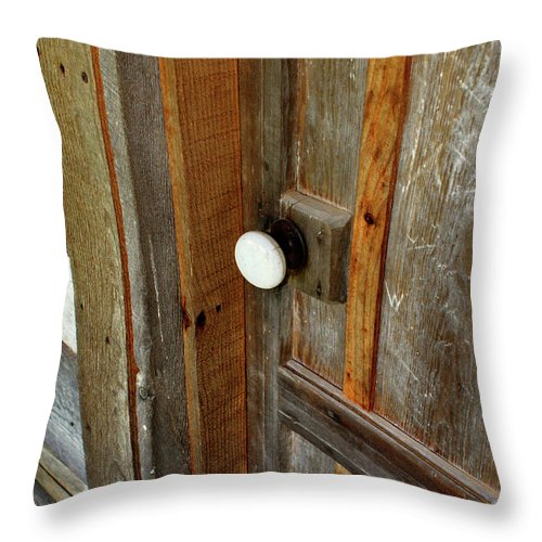 Door Throw Pillow featuring the photograph Knock At The Door by Paul Mashburn