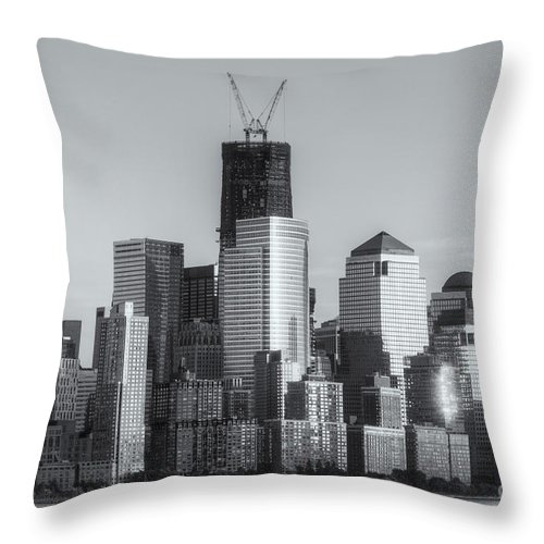 Clarence Holmes Throw Pillow featuring the photograph Manhattan Sunset Reflections II by Clarence Holmes