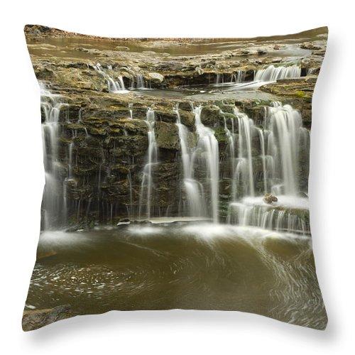 Minneopa Throw Pillow featuring the photograph Minneopa Upper Falls 18 by John Brueske