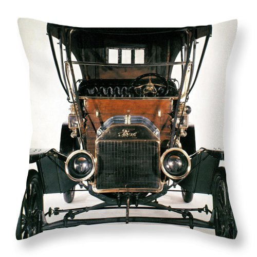 1910 Throw Pillow featuring the photograph Model T Ford, 1910 by Granger