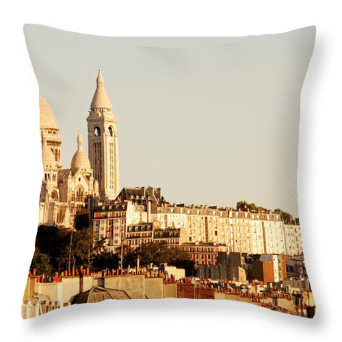 Paris Photo Throw Pillow featuring the photograph Sacre Coeur In A Summer Morning by Ivy Ho